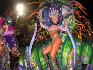 dancer-at-carnival-in-rio