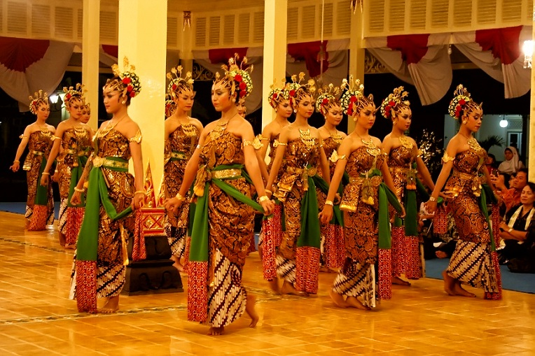 Malaysia Traditional Cultural Dance Performance Top