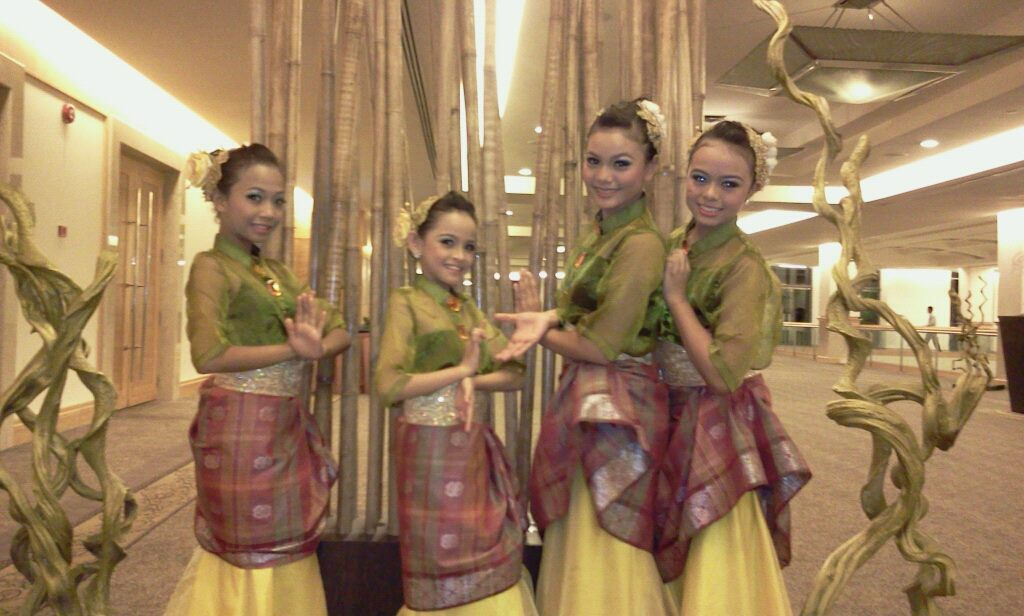 1 Malaysia Kids Cultural Traditional Dance Performance