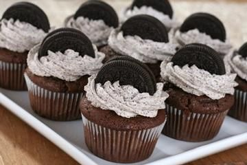 Oreo Moist Cupcake